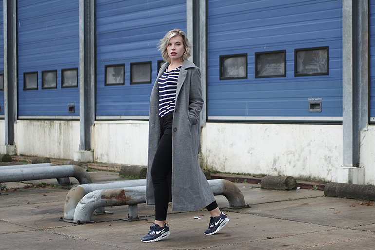 RED REIDING HOOD: Fashion blogger wearing long coat sneakers breton stripes T-shirt comfy chic outfit