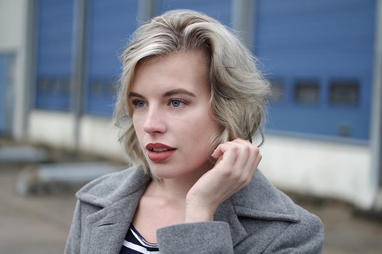 RED REIDING HOOD: Fashion blogger short messy hair lowlights highlights