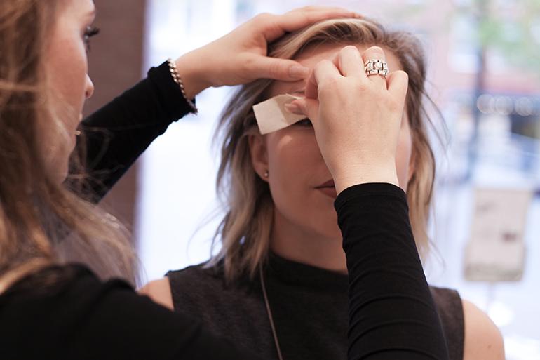 RED REIDING HOOD: Beauty blogger brow waxing treatment experience wenkbrauw waxen ervaring
