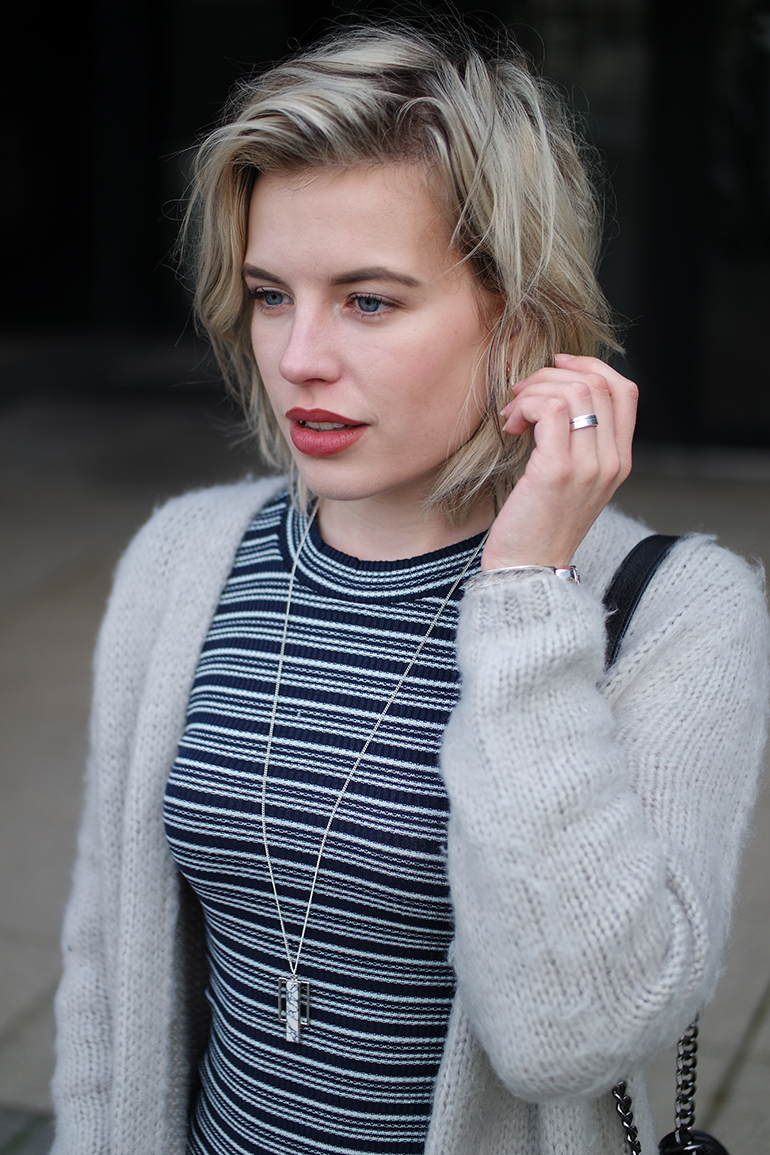 RED REIDING HOOD: Fashion blogger wearing striped knit bodycon dress outfit details marble necklace