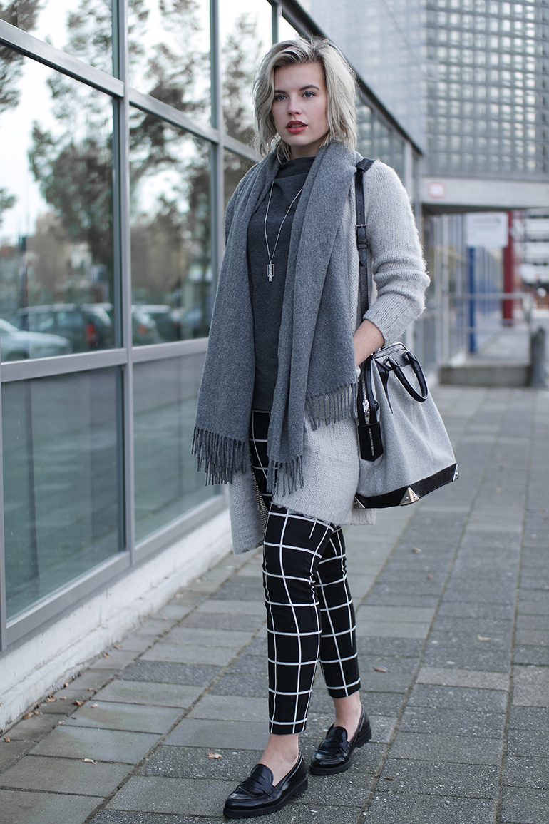 RED REIDING HOOD: Fashion blogger wearing fluffy cardigan melting stockholm acne studios canada wool scarf check trousers outfit