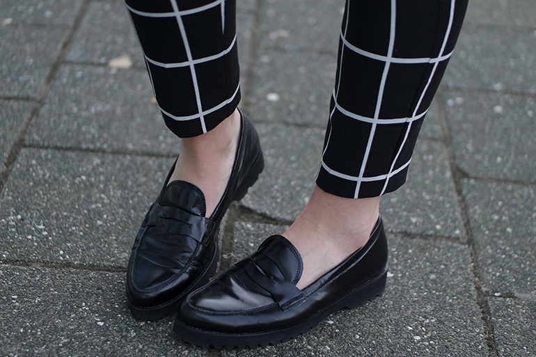 RED REIDING HOOD: Fashion blogger wearing grid check pants outfit details gabor loafers