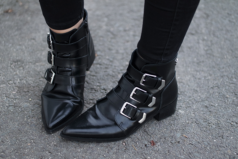 RED REIDING HOOD: Fashion blogger wearing supertrash pointy buckle ankle boots outfit details