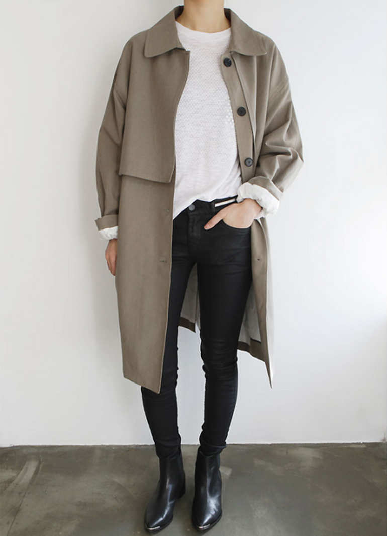 RED REIDING HOOD: Fashion blogger wearing oversized trench coat outfit