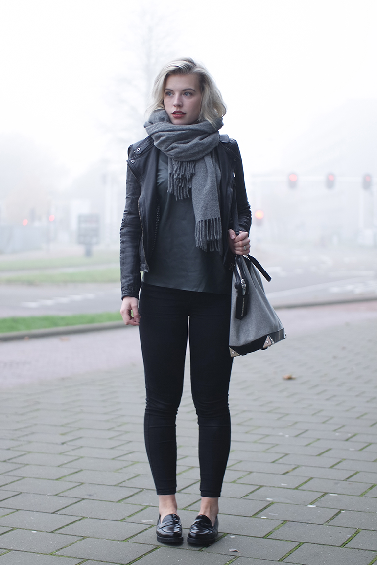 RED REIDING HOOD: Fashion blogger wearing black skinny jeans ONLY denim gabor loafers outfit acne canada wool scarf