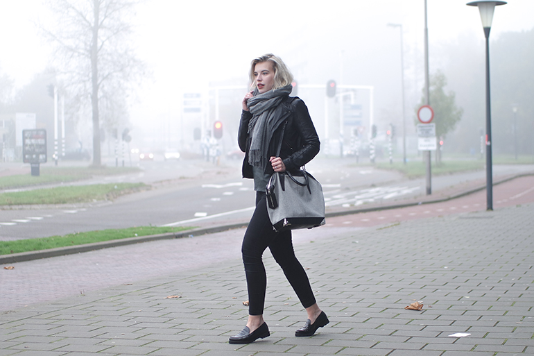 RED REIDING HOOD: Fashion blogger wearing alexander wang emile tote bag outfit black skinny jeans loafers