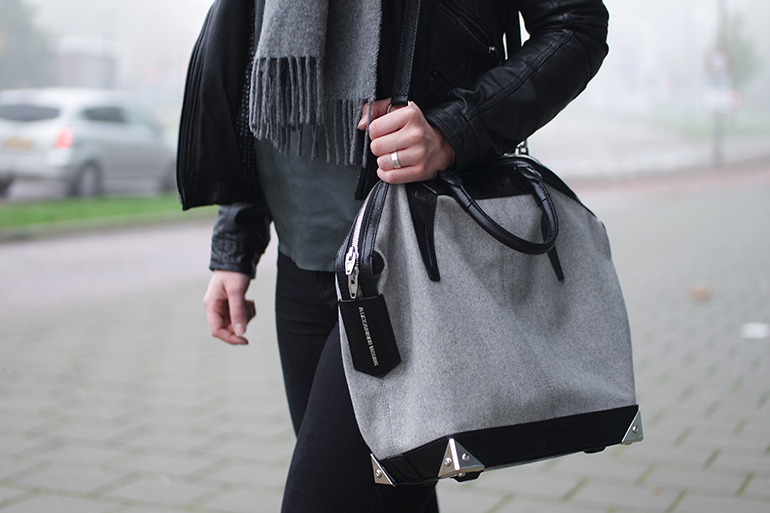 RED REIDING HOOD: Fashion blogger wearing Alexander Wang Emile Tote bag outfit details