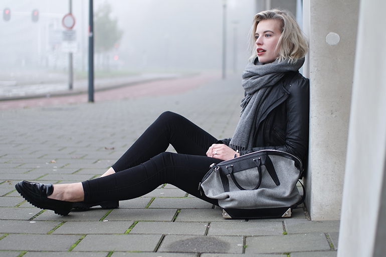 RED REIDING HOOD: Fashion blogger wearing Alexander Wang Emile Tote Bag outfit details gabor loafers black skinny jeans