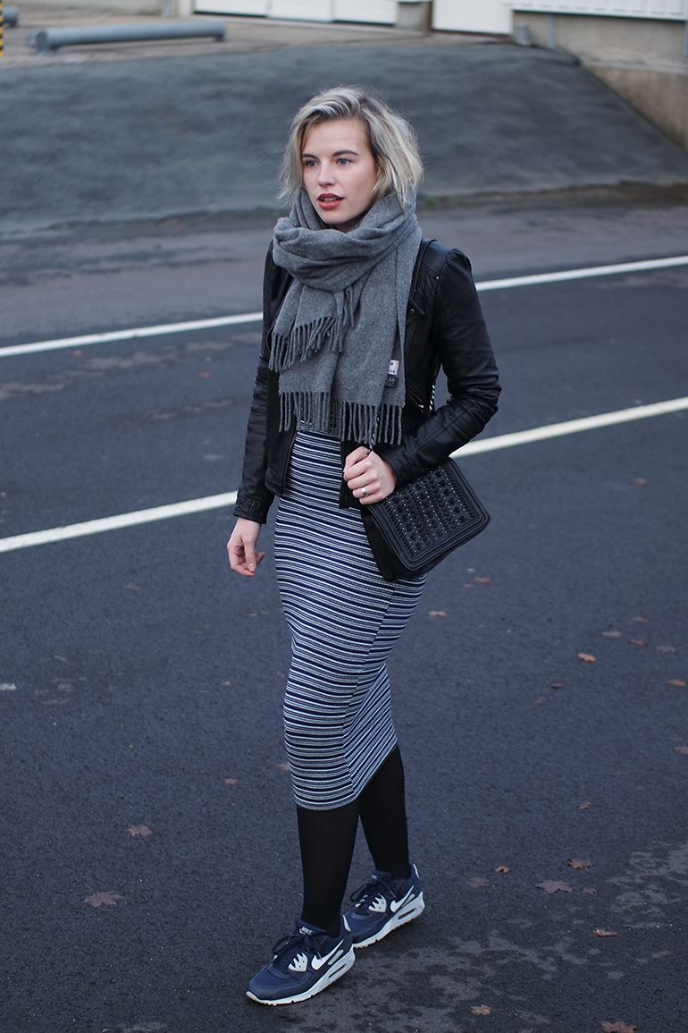 RED REIDING HOOD: Fashion blogger wearing striped bodycon dress zara leather jacket nike air max sneakers outfit