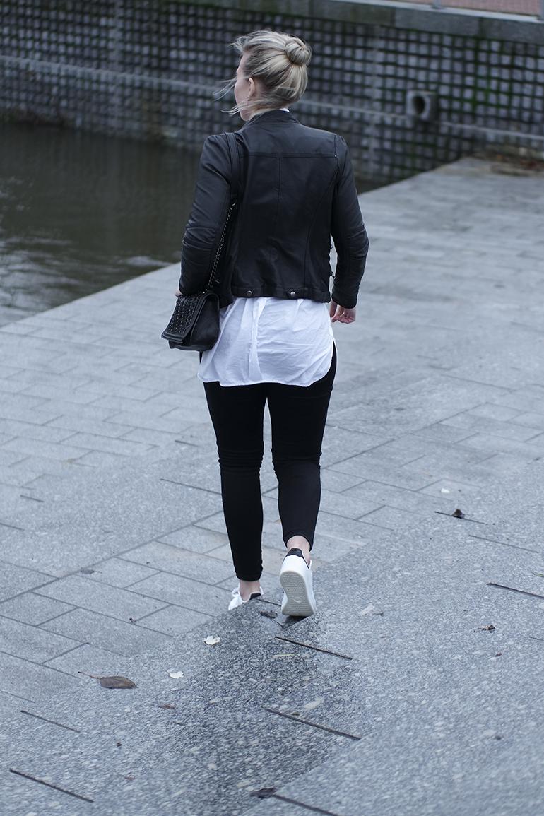 RED REIDING HOOD: Fashion blogger wearing black leather biker jacket white oversized shirt zara adidas stan smith outfit