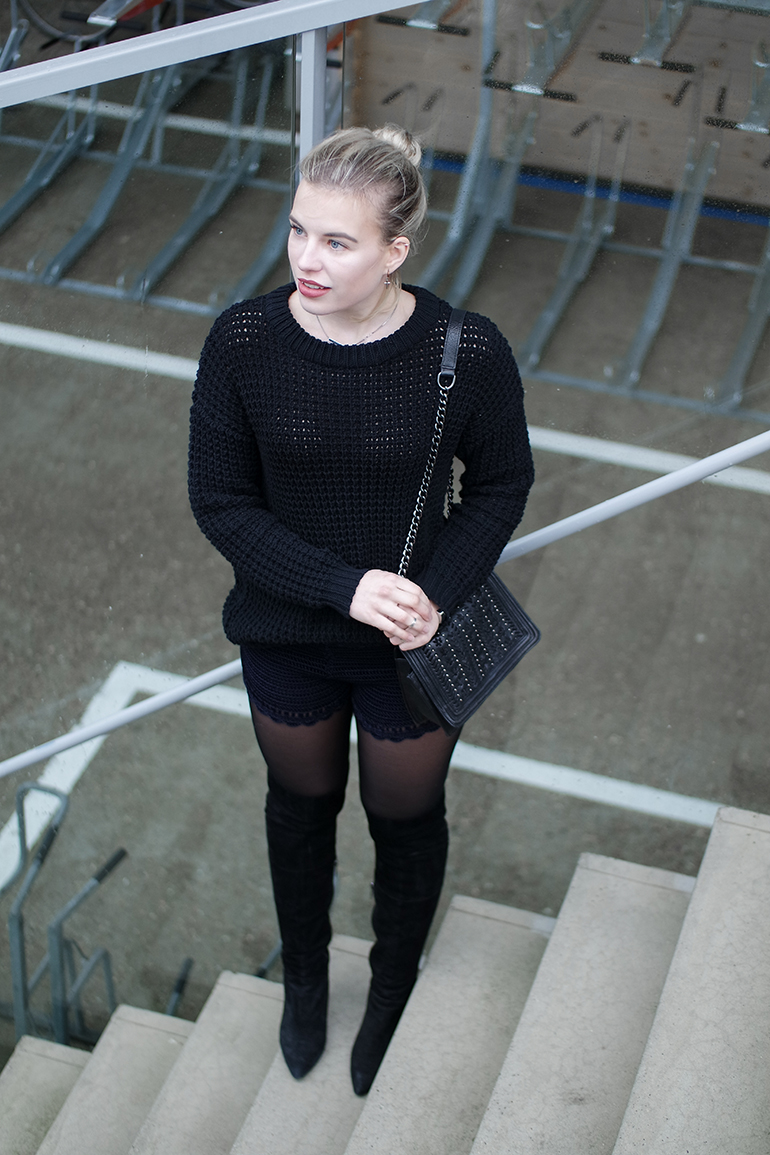 RED REIDING HOOD: Fashion blogger wearing H&M Trend crochet shorts over the knee boots OTK outfit