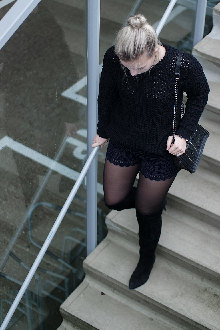RED REIDING HOOD: Fashion blogger wearing crochet shorts H&M Trend chunky knit OTK boots outfit