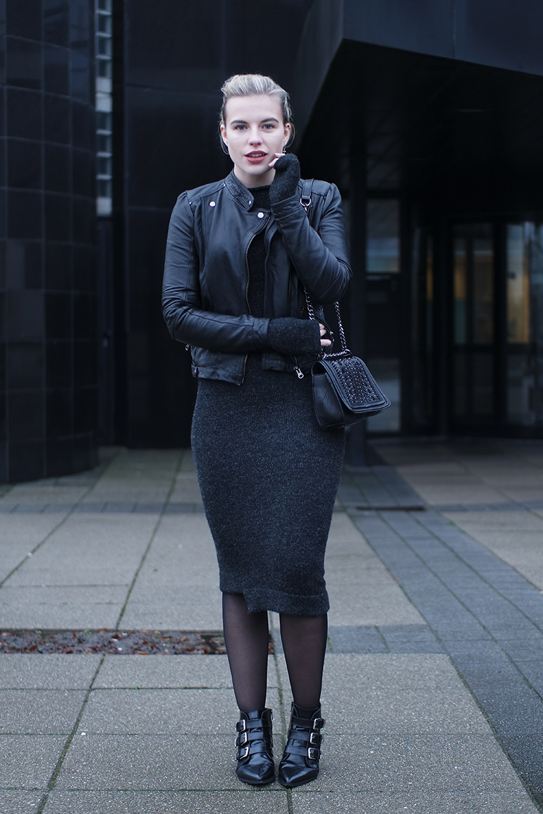 RED REIDING HOOD: Fashion blogger wearing asymmetrical midi knit dress outfit supertrash ankle boots