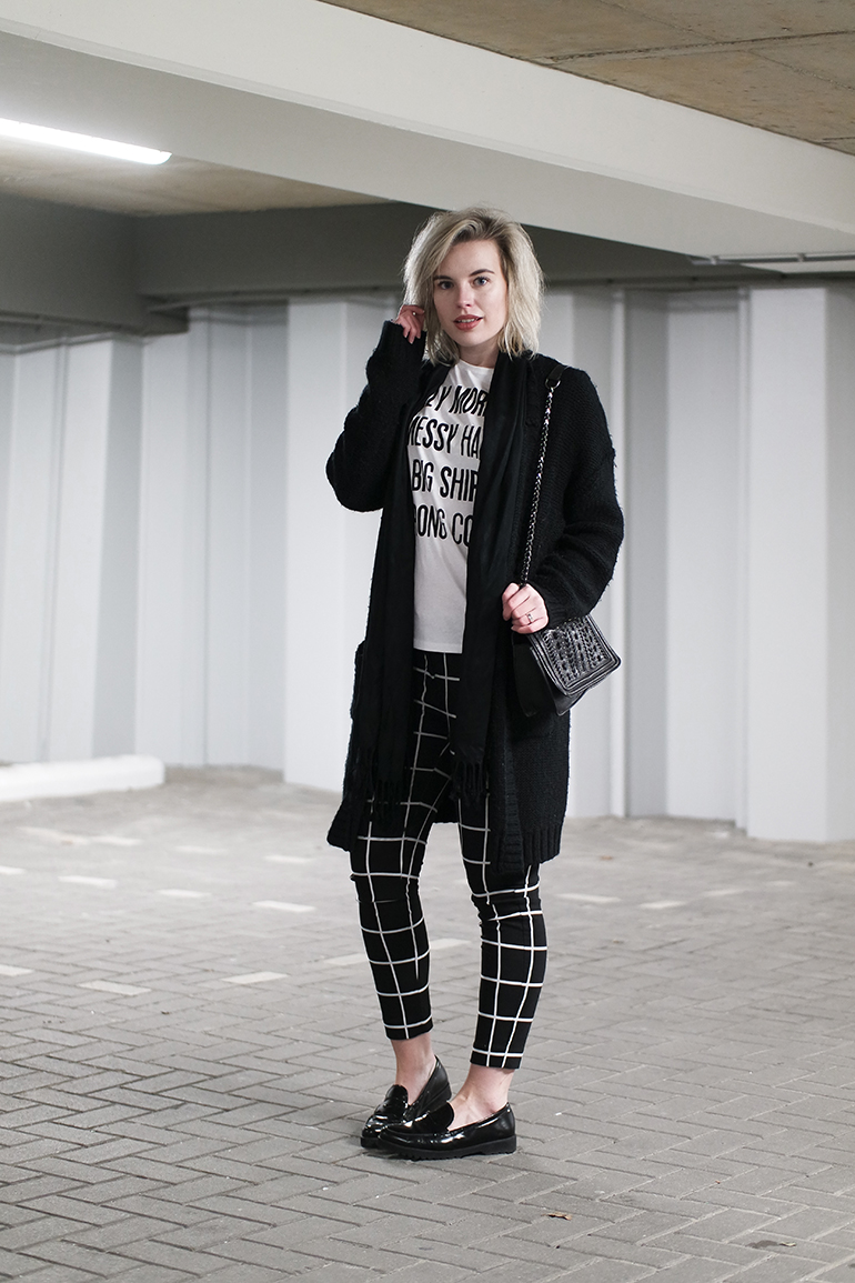 RED REIDING HOOD: Fashion blogger wearing grid check pants costes fashion chunky knit cardigan outfit