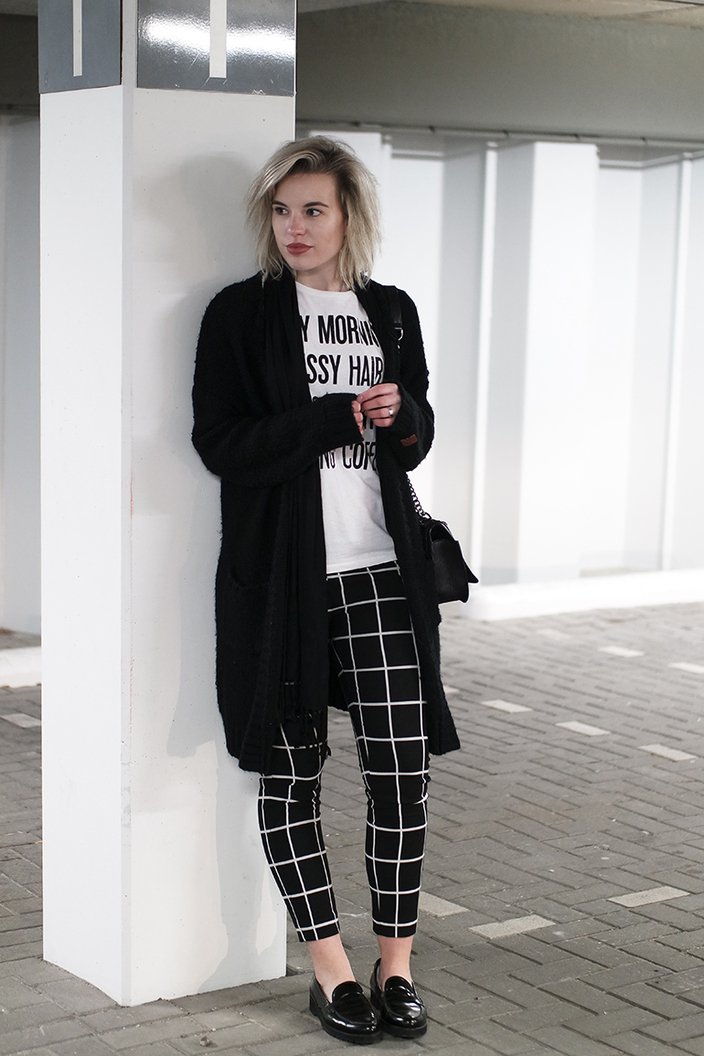RED REIDING HOOD: Fashion blogger wearing grid check trousers costes fashion gabor loafers outfit