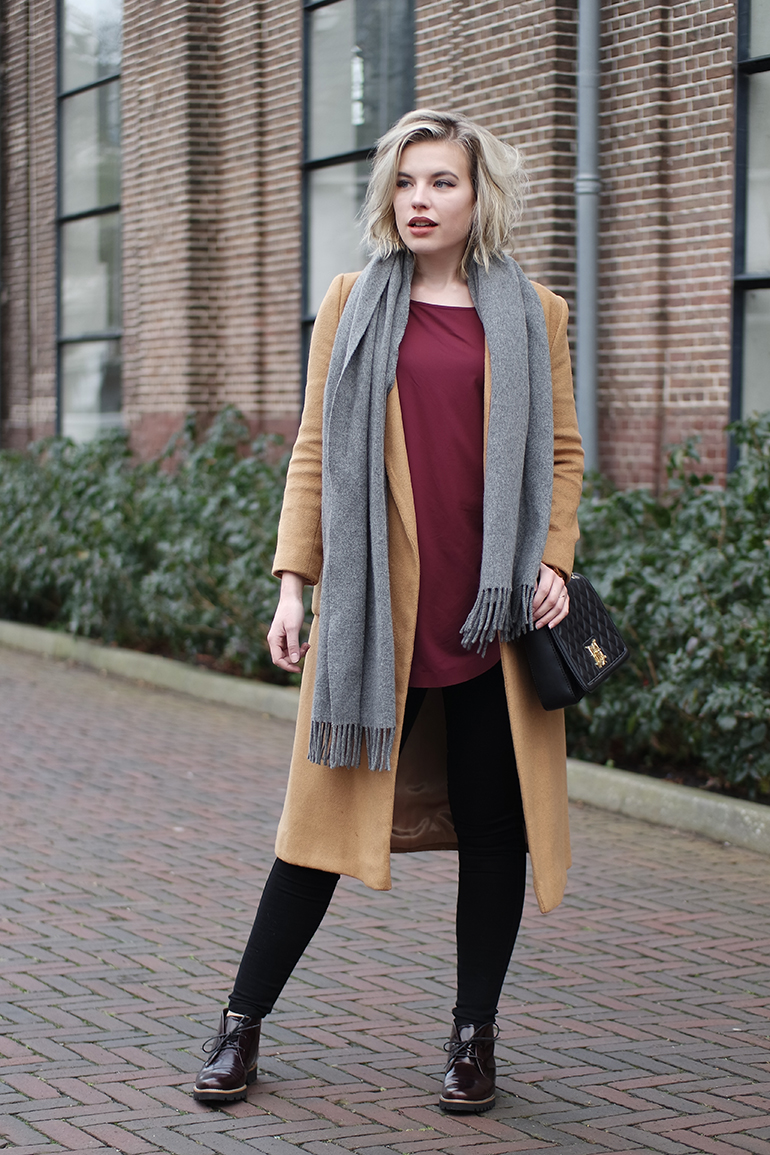 RED REIDING HOOD: Fashion blogger wearing acne canada wool scarf moschino bag gabor shoes gaborstore outfit