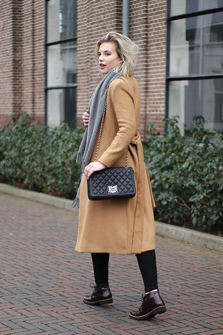 RED REIDING HOOD: Fashion blogger wearing topshop camel coat gabor shoes outfit