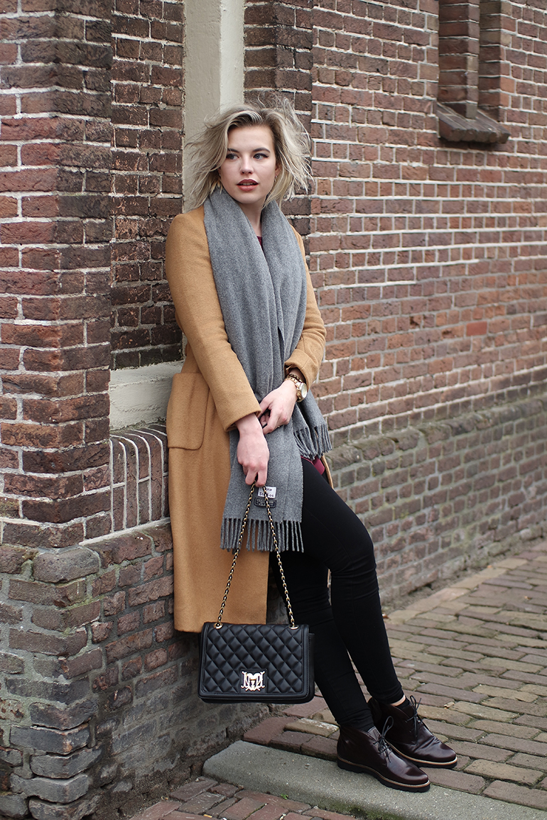 RED REIDING HOOD: Fashion blogger wearing acne canada wool scarf outfit topshop camel coat moschino bag gabor schoenen