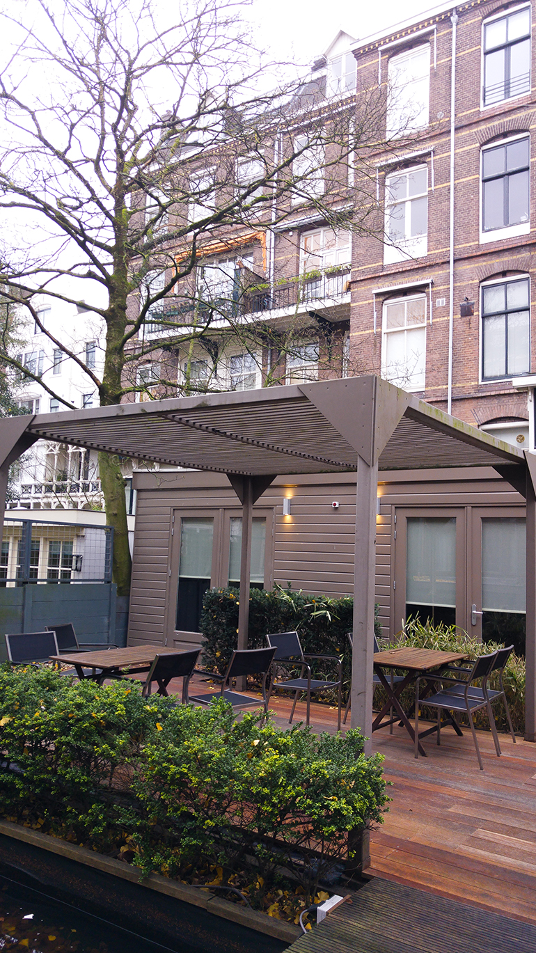 RED REIDING HOOD: Hotel Roemer review tuin garden