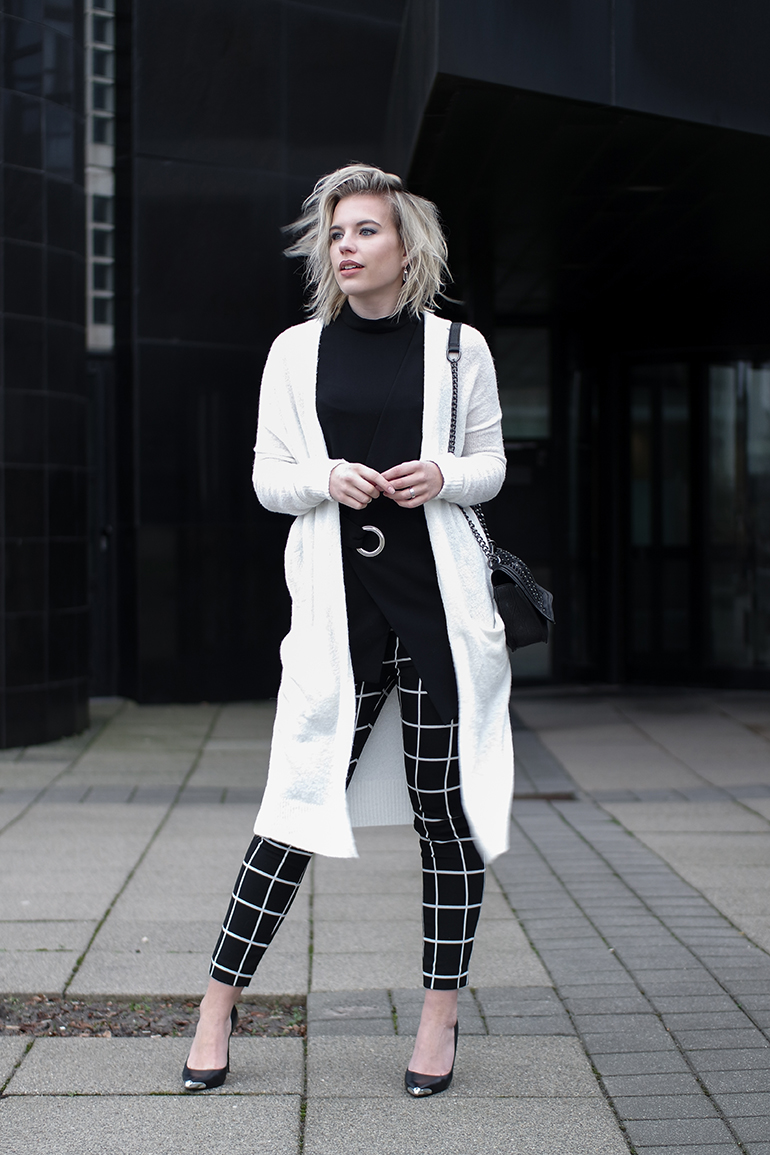 RED REIDING HOOD: Fashion blogger wearing mango combeye top costes checked pants outfit white cardigan