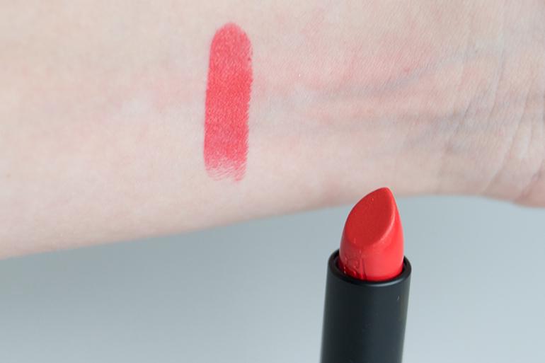 RED REIDING HOOD: Beauty blogger review Etos color care lipstick vampire kiss swatch