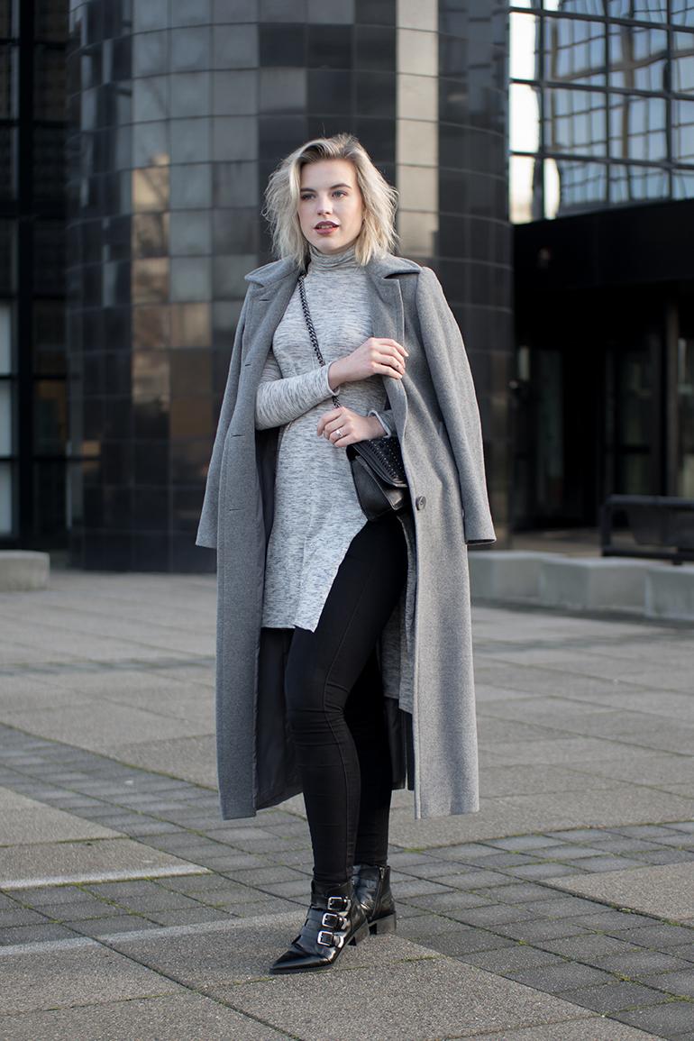RED REIDING HOOD: Fashion blogger wearing grey long coat side split turtleneck top outfit
