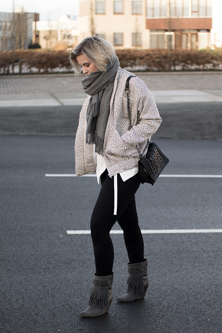 RED REIDING HOOD: Fashion blogger wearing Carin Wester Reva bomber jacket outfit costes fringe boots