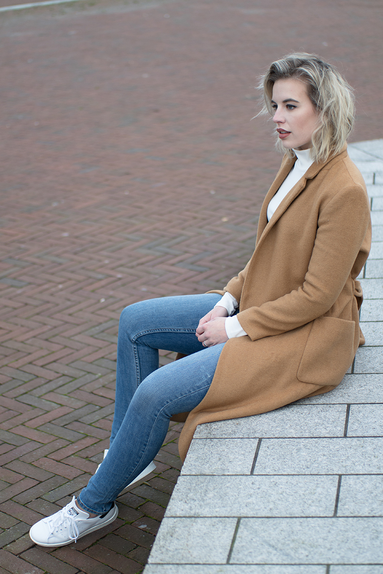 a7d5c9d22643 ... RED REIDING HOOD  Fashion blogger wearing topshop camel coat outfit  adidas stan smith sneakers RED REIDING HOOD  Fashion blogger wearing long  ...