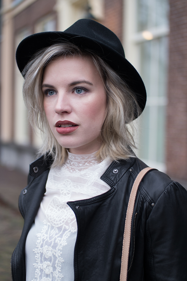RED REIDING HOOD: Fashion blogger wearing fedora hat outfit details lace high neck top