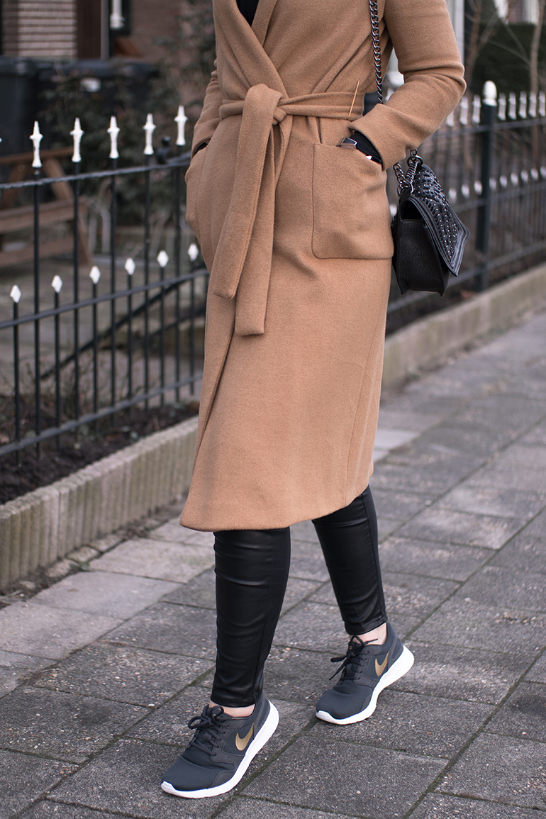 finest selection 50764 d9ba0 ... RED REIDING HOOD  Fashion blogger wearing long camel coat sportluxe  outfit details nike kaishi sneakers ...