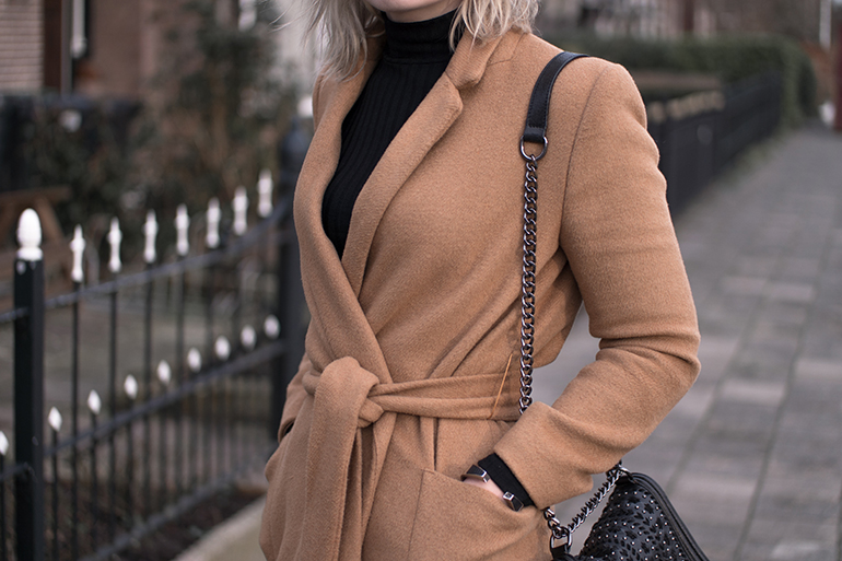 RED REIDING HOOD: Fashion blogger wearing camel coat topshop rib roll neck top outfit details zara chain bag