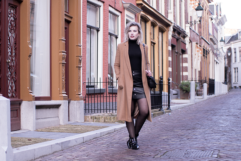RED REIDING HOOD: Fashion blogger wearing camel coat H&M faux leather skirt button front outfit