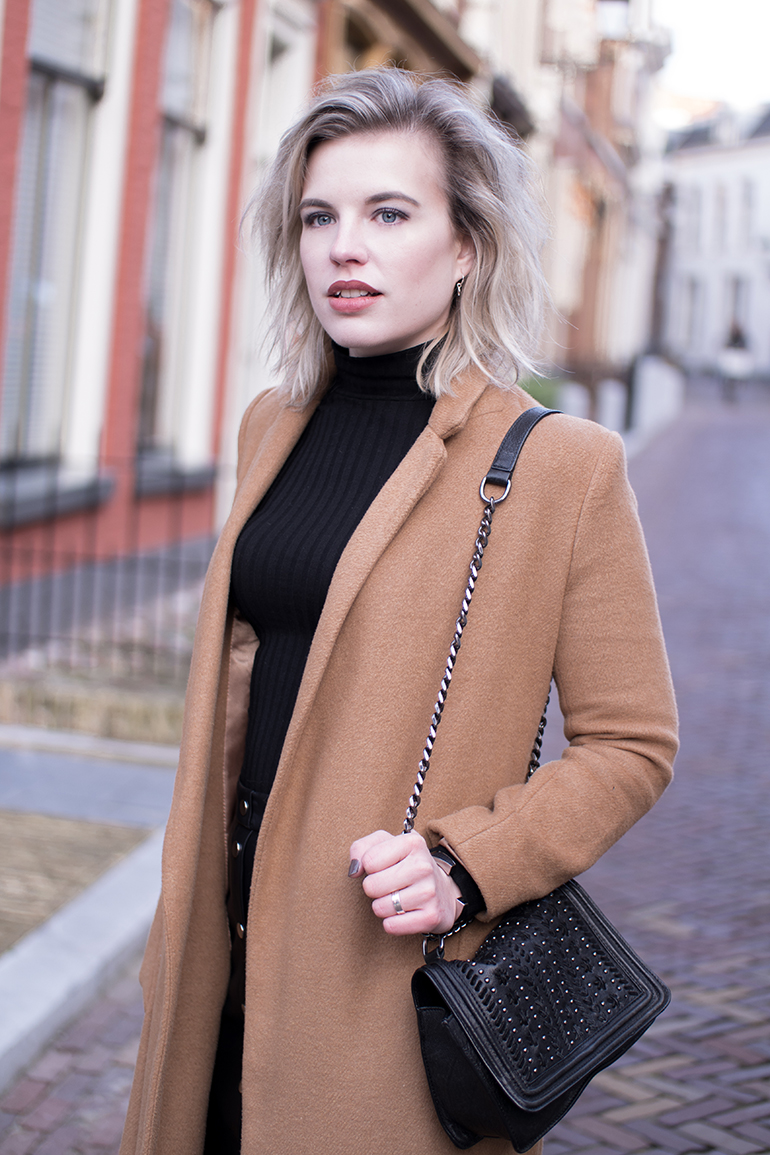 RED REIDING HOOD: Fashion blogger wearing rib roll neck top turtleneck topshop camel coat outfit details