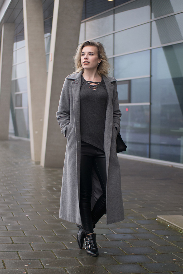 RED REIDING HOOD: Fashion blogger wearing vero moda lace up top asymmetrical hem long coat leather pants outfit