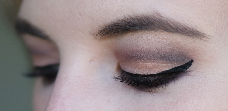 RED REIDING HOOD: beauty blogger review Zoeva cocoa blend palette look eye
