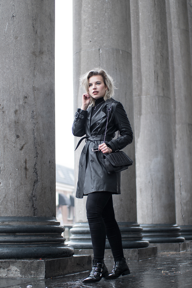 f508cbbd7e RED REIDING HOOD  Fashion blogger wearing all black outfit leather trench  coat mango supertrash strappy ...