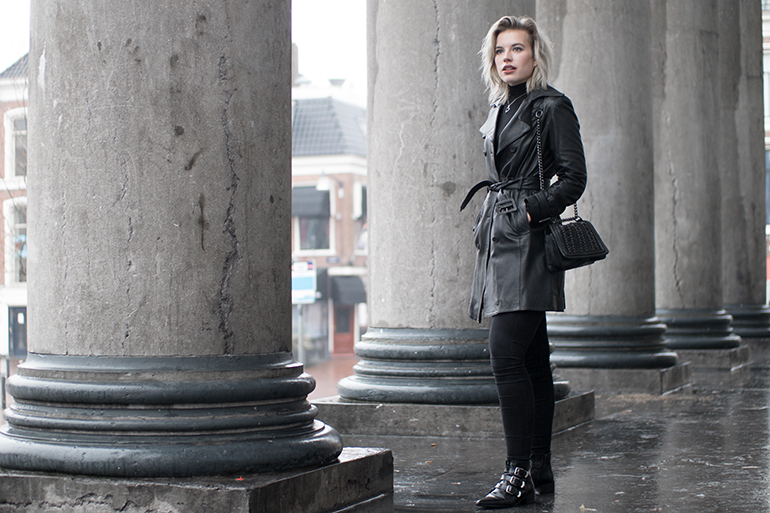 RED REIDING HOOD: Fashion blogger wearing leather trench coat mango rib roll neck jumper all black outfit