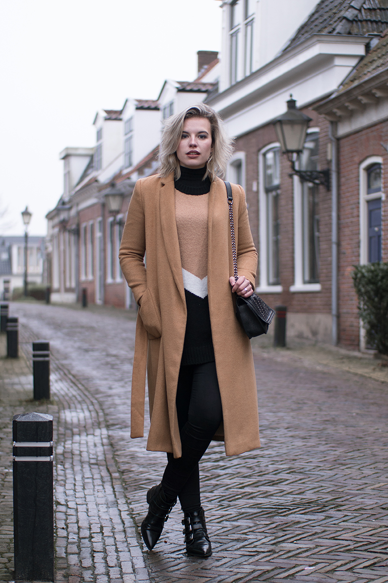 RED REIDING HOOD: Fashion blogger wearing camel coat topshop oversized jumper forever21 contemporary supertrash ankle boots outfit