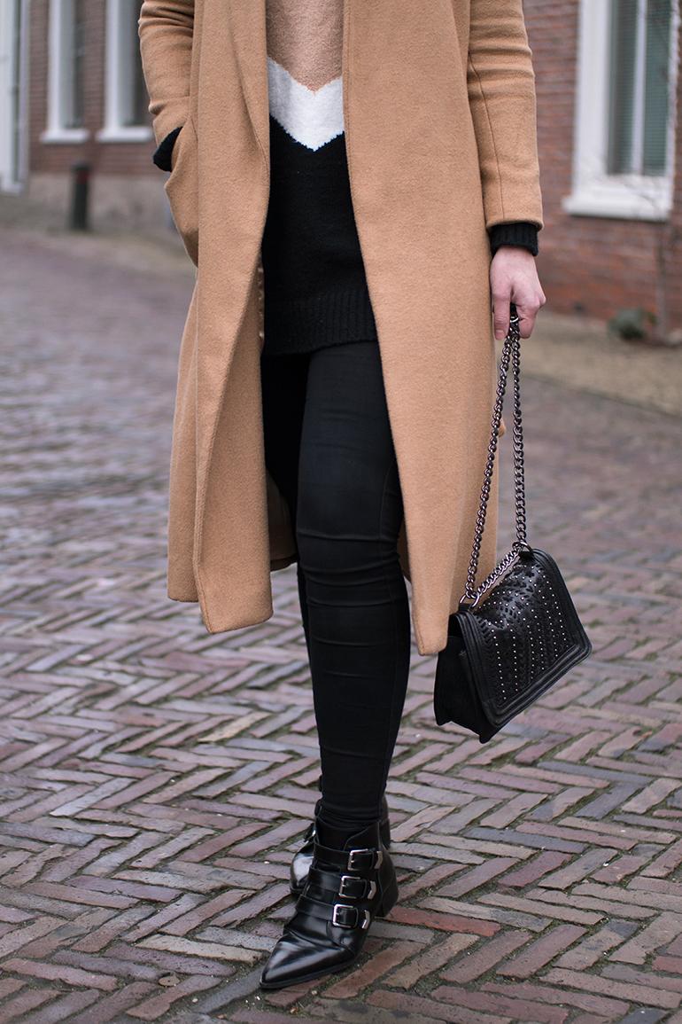 RED REIDING HOOD: Fashion blogger wearing zara chain bag outfit details topshop long camel coat