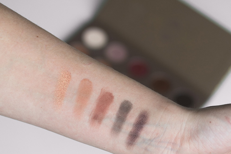 RED REIDING HOOD: beauty blogger review Zoeva cocoa blend palette swatches