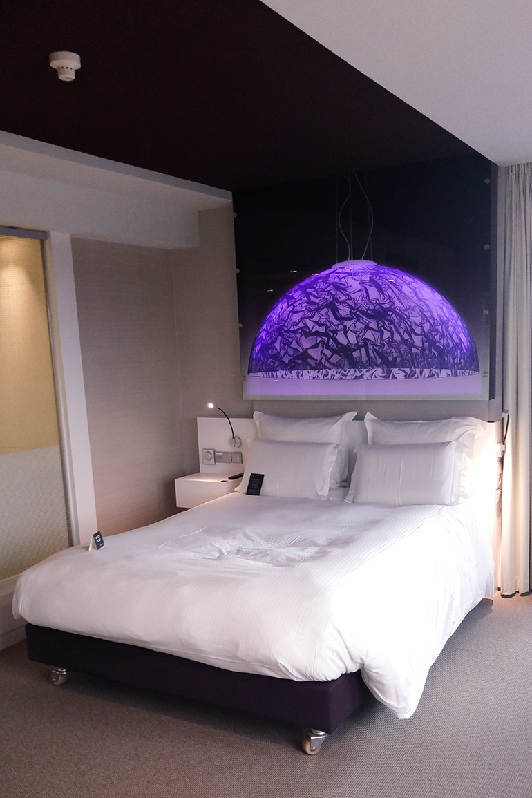 RED REIDING HOOD: Blogger hotel pullman eindhoven cocagne deluxe room queen size bed review