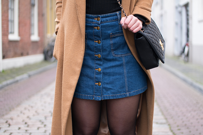 RED REIDING HOOD: Fashion blogger wearing button up denim skirt outfit details topshop camel coat moschino bag