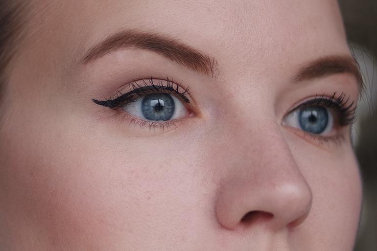 RED REIDING HOOD: Beauty blogger review MUA brow kit brow mascara pro-base argan plush concealer eyebrows look swatch