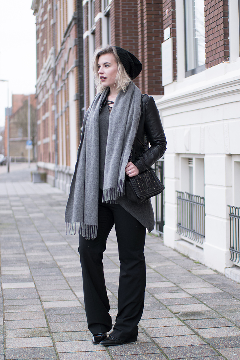 RED REIDING HOOD: Fashion blogger wearing lace up top vero moda outfit wide leg pants zara leather jacket