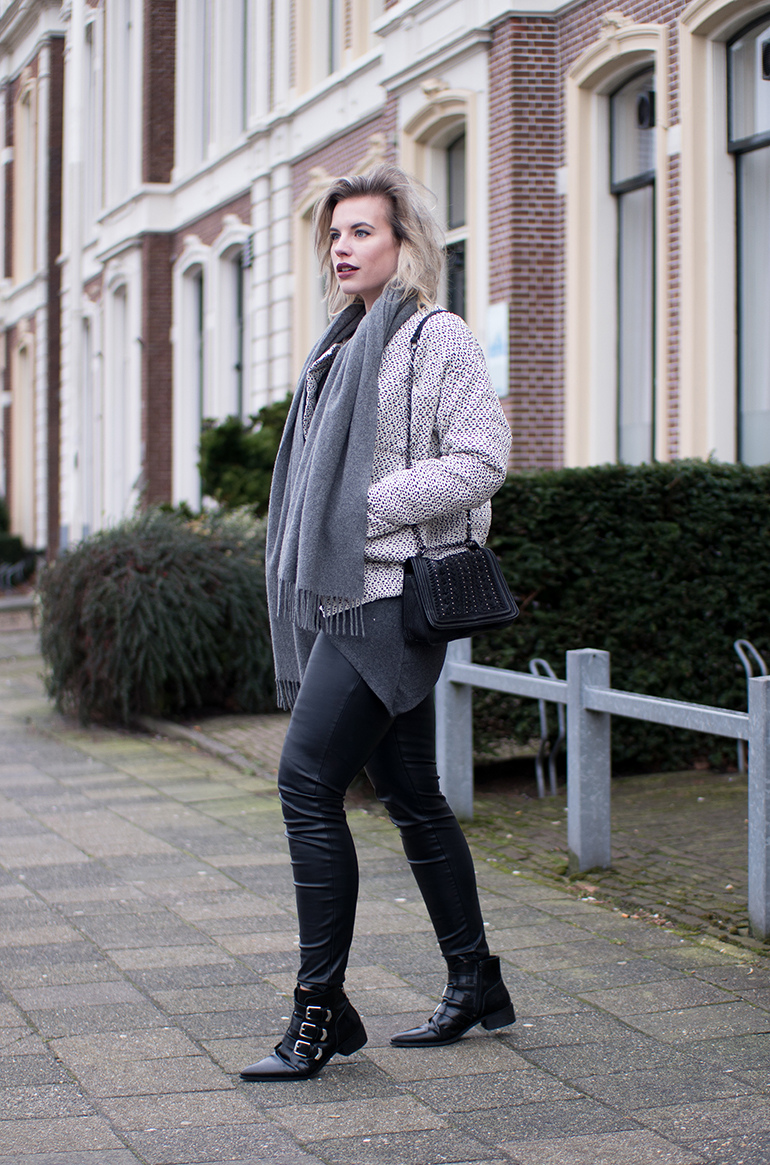 RED REIDING HOOD: Fashion blogger wearing Carin Wester Reva bomber jacket outfit faux leather pants supertrash ankle boots