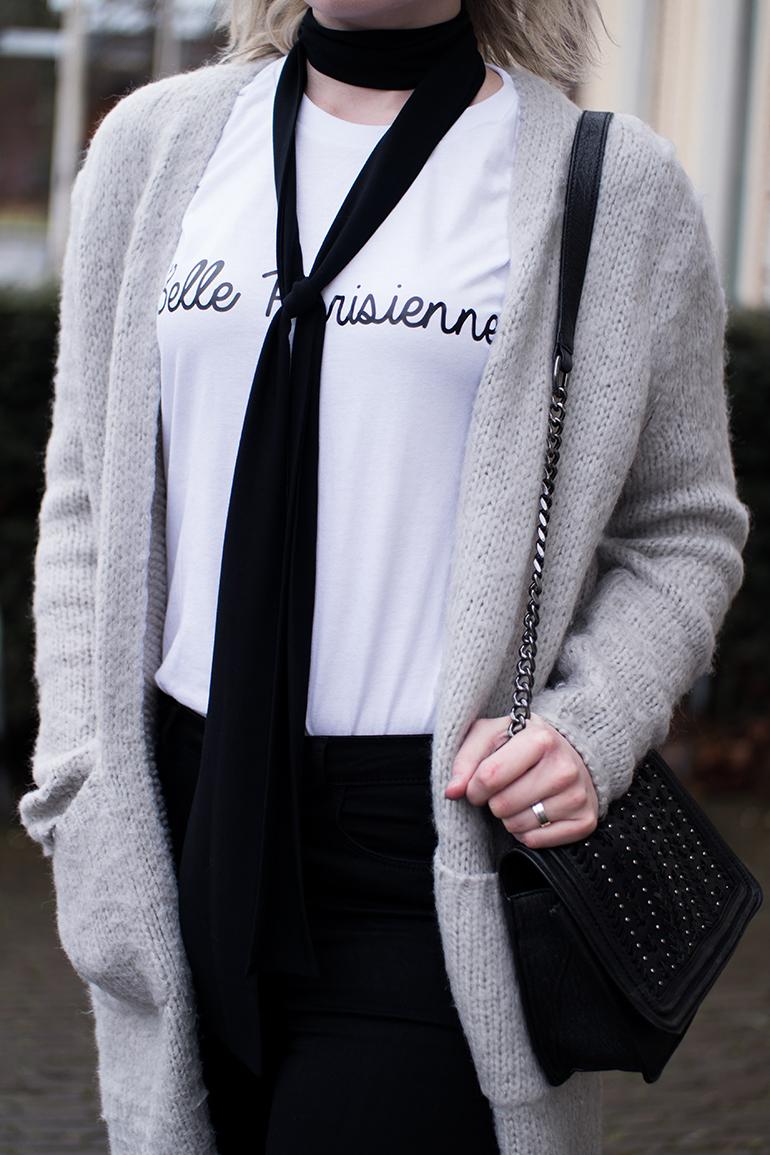 RED REIDING HOOD: Fashion blogger wearing belle parisienne T-shirt 1804 Paris outfit details skinny scarf