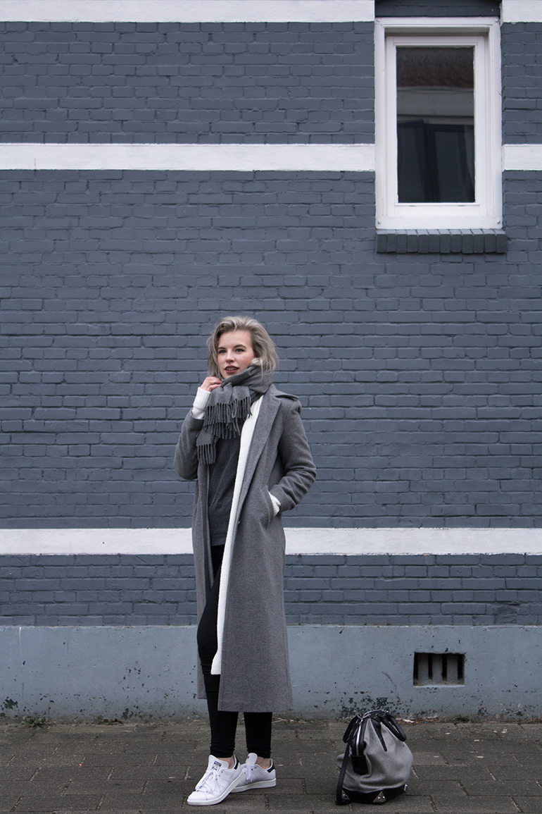 RED REIDING HOOD: Fashion blogger wearing long grey coat outfit stan smith sneakers