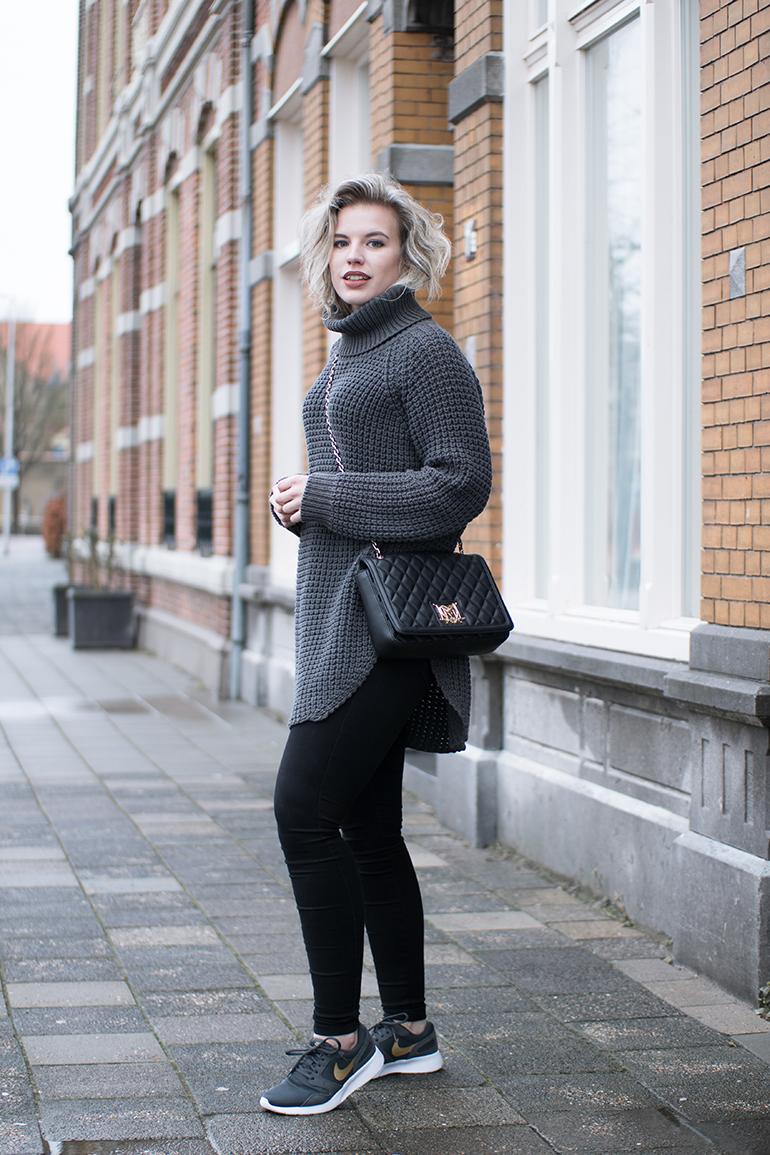 RED REIDING HOOD: Fashion blogger wearing hope grand sweater Nike kaishi sneakers outfit monogram moschino bag