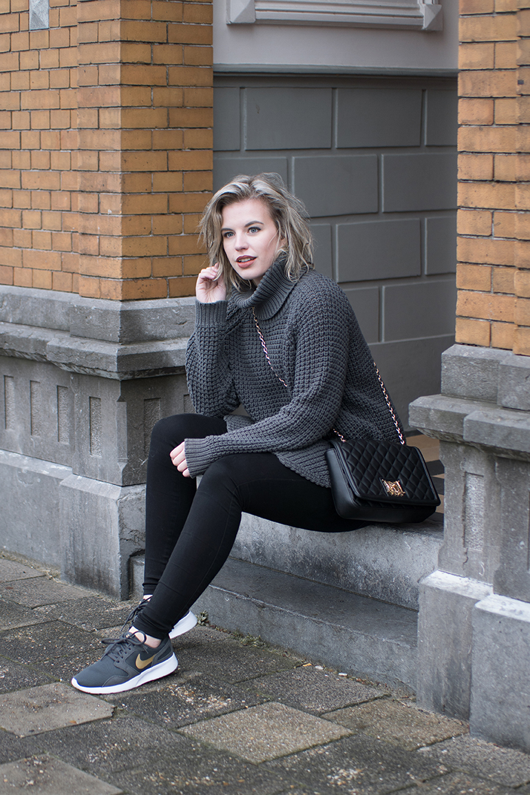 RED REIDING HOOD: Fashion blogger wearing chunky knit turtleneck sweater hope grand outfit nike kaishi sneakers
