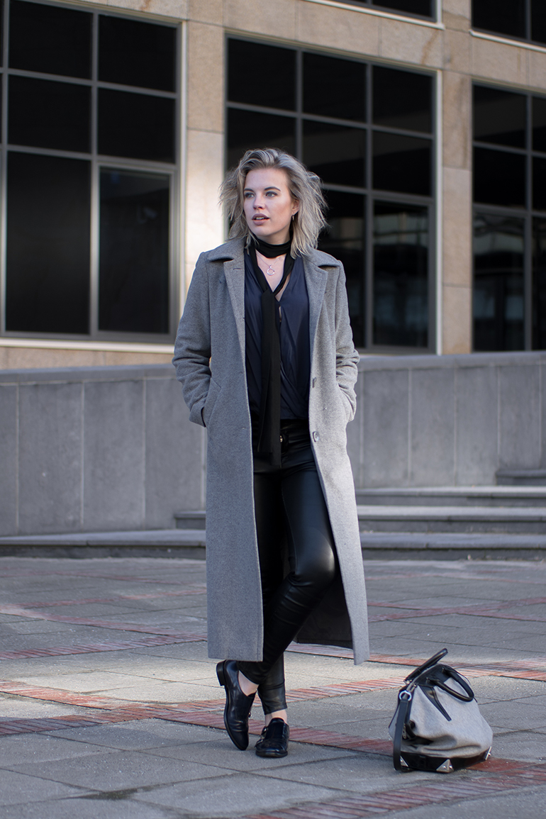 RED REIDING HOOD: Fashion blogger wearing long grey coat skinny choker scarf black leather pants outfit